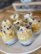 Verrines graines de chia au lait de coco et compotée de fruits