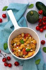 crédit photo : https://www.amandinecooking.com/one-pot-pasta-aux-courgettes-tomates-et-fromage-de-chevre.html